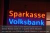 s01-01-volksbank-sparkasse-schild-gut