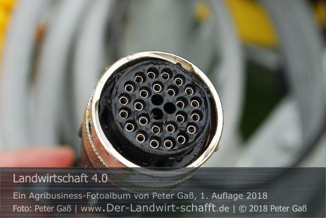 """Titelbild Agribusiness Fotoalbum """"Landwirtschaft 4.0"""". Foto: Peter Gaß"""