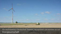 """Energiewirtschaft: Die Energiesparte gibt der BayWa Rückenwind. Foto: Peter Gaß. Ein Motiv aus dem Fotoalbum """"Grünstrom"""", 1. Auflage Juli 2020"""