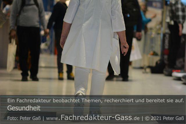 """Gesundheit: Aufklärungsfilm """"Impfung gegen COVID-19"""". Foto: Peter Gaß. Ein Motiv aus dem Fotoalbum """"Gesundheit"""", 1. Auflage 2020"""