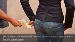 Wiesbaden: Das Marketing für die Citybahn hat viele Millionen Euro verschlungen. Foto: Peter Gaß